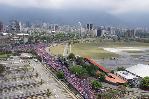 11 Nisan'daki Muhalafet Yürüyüşü